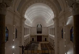 Covid-19: Igreja Católica em P...